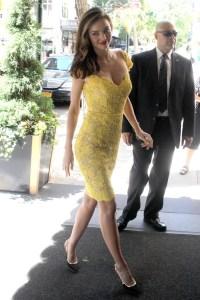 Miranda-Kerr-Vogue-5jun13-PA_b_592x888